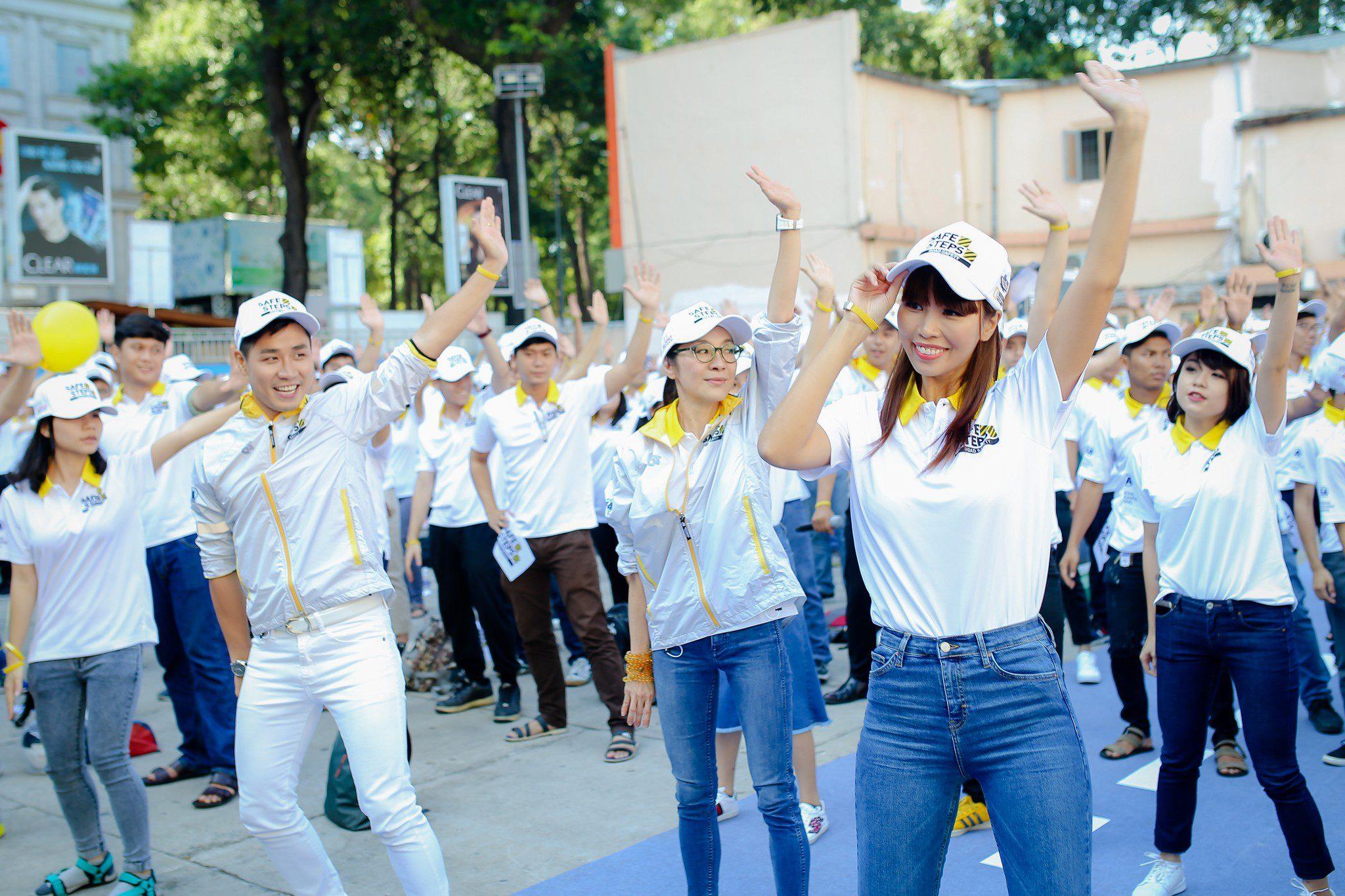 Ao thun Safe steps Road Safety 14 - Bừng sáng sự kiện Safe Steps của Liên Hợp Quốc tại Việt Nam với áo thun sự kiện