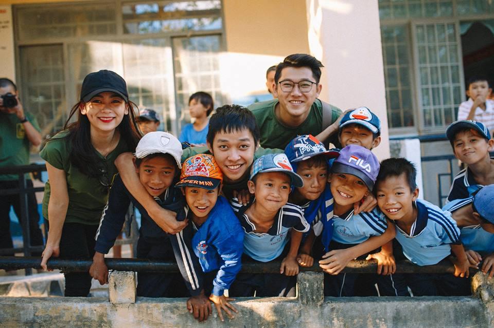 Áo thun nhóm từ thiện Tết Ấm