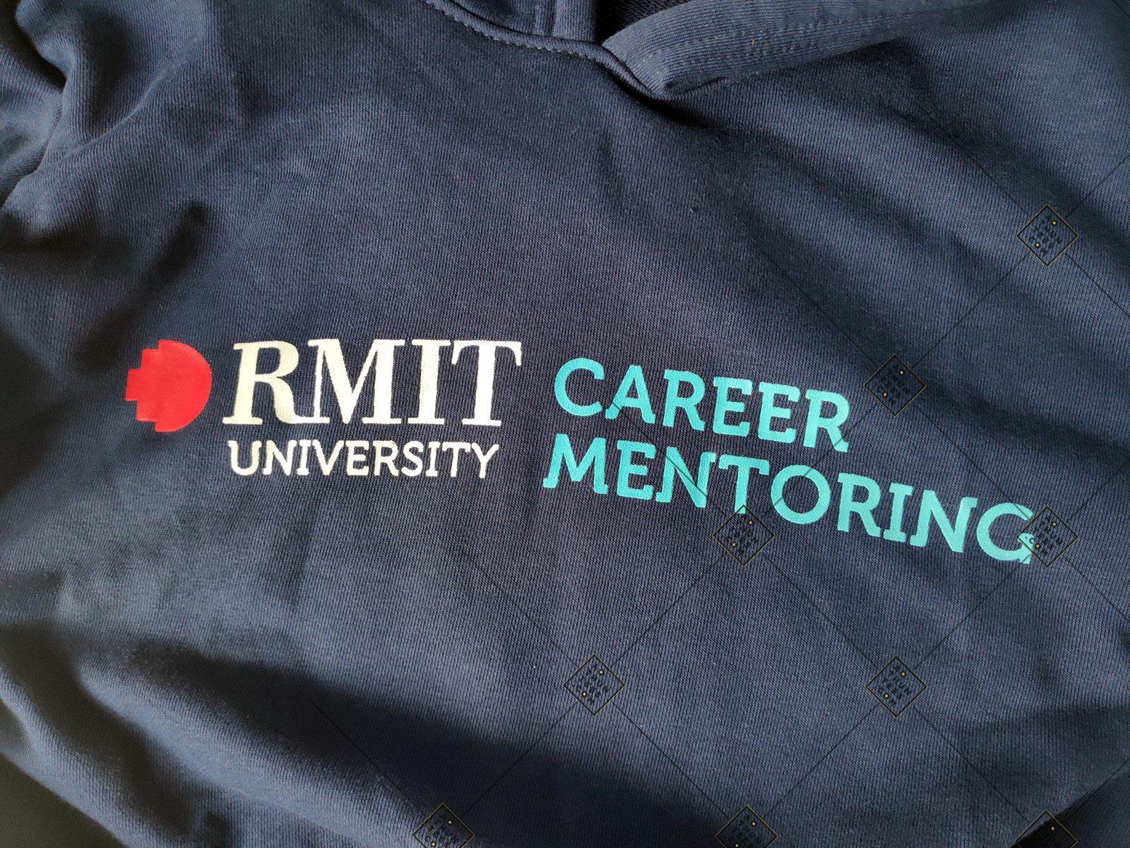 Áo hoodie đồng phục trường Đại học Quốc tế RMIT Việt Nam – Career Mentoring